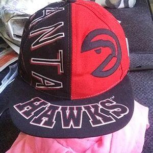 Atlanta Hawks hat size one sz $28 .